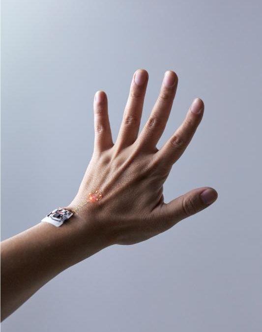 Cek Kesehatan dengan Sensor Kulit Elektronik